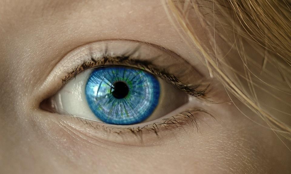 Vorteile des Augenlaserns gegenüber der Brille und Kontaktlinsen