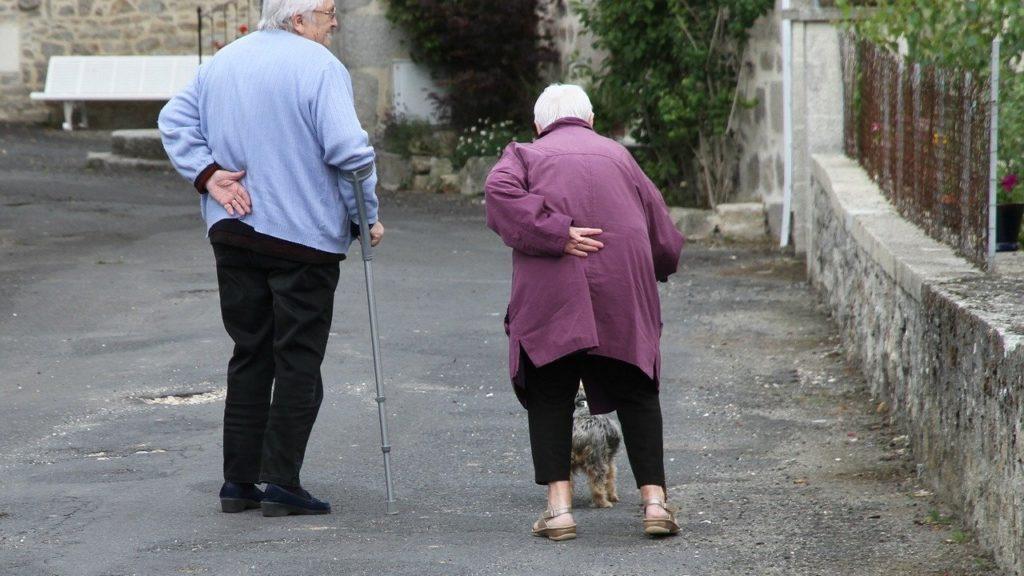 Häusliche Pflege, die Senioren helfen kann, weiterhin unabhängig zu leben